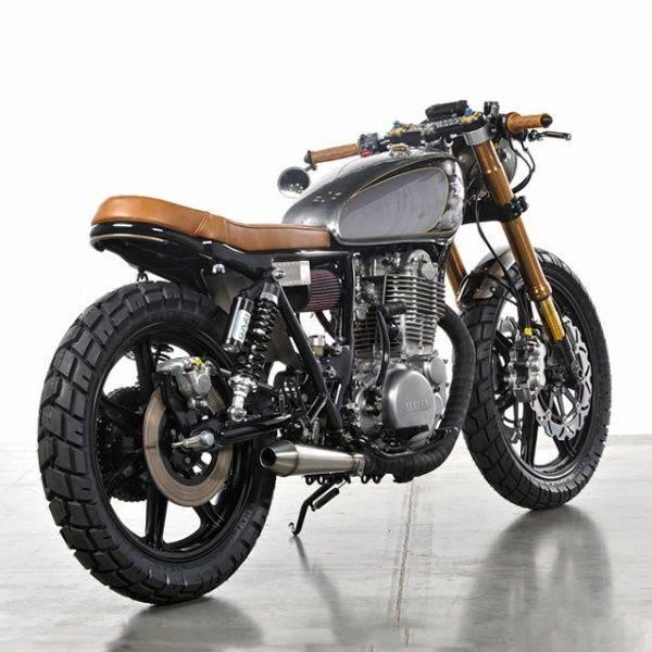 Moto Yamaha SR500 Bruto - Stone Forest