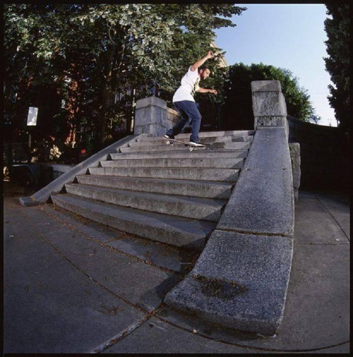 Streetstyle skateboarding - Stone Forest