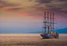 Морская яхта - Stone Forest