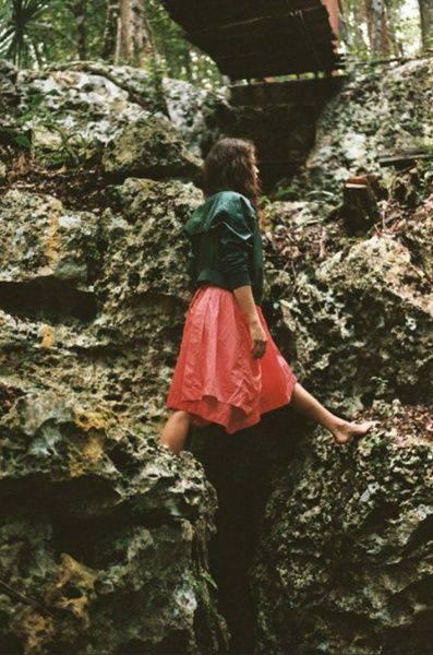 Фотографии симпатичных девушек - Stone Forest