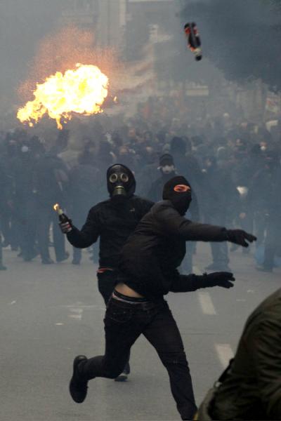 Беспорядки на улицах Европы - Stone Forest