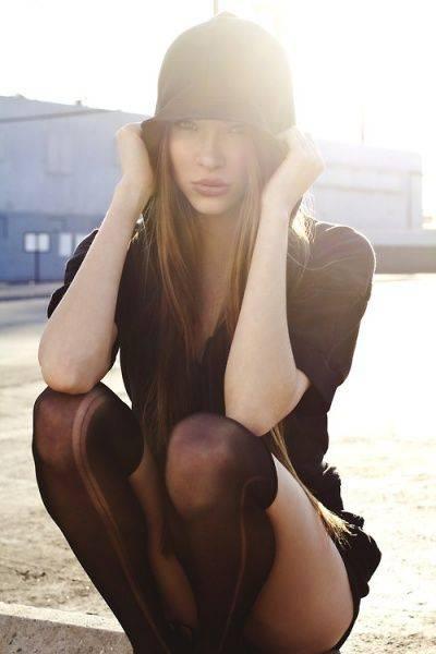 Красивая девушка - Stone Forest