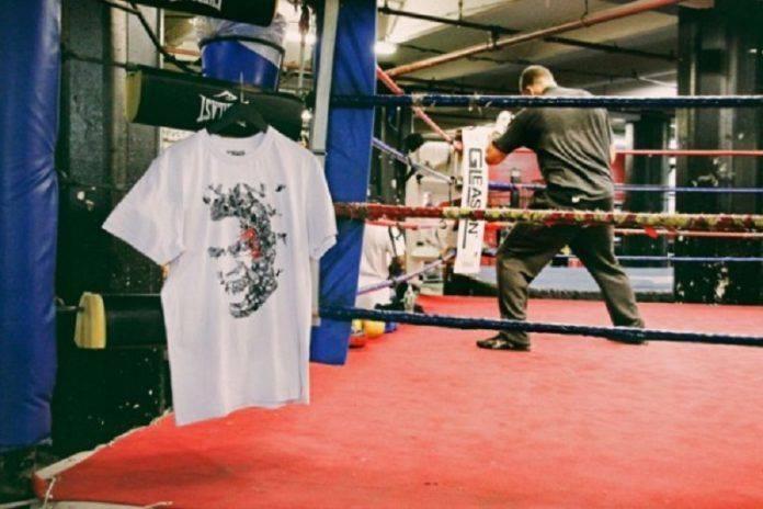 Принт с Майком Тайсоном на футболке - Stone Forest