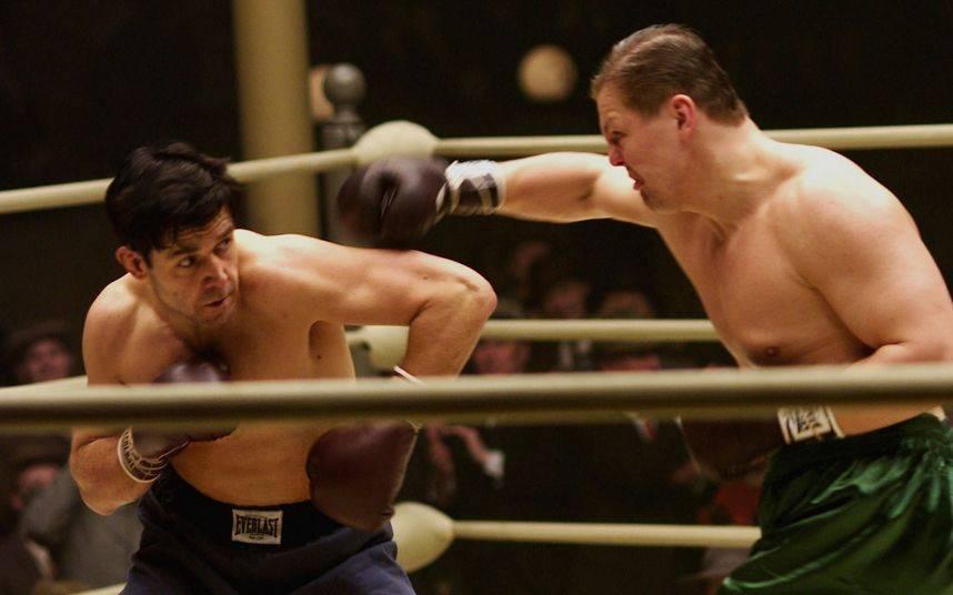 10-актеров-которые-справились-с-ролью-боксеров-на-отлично-2