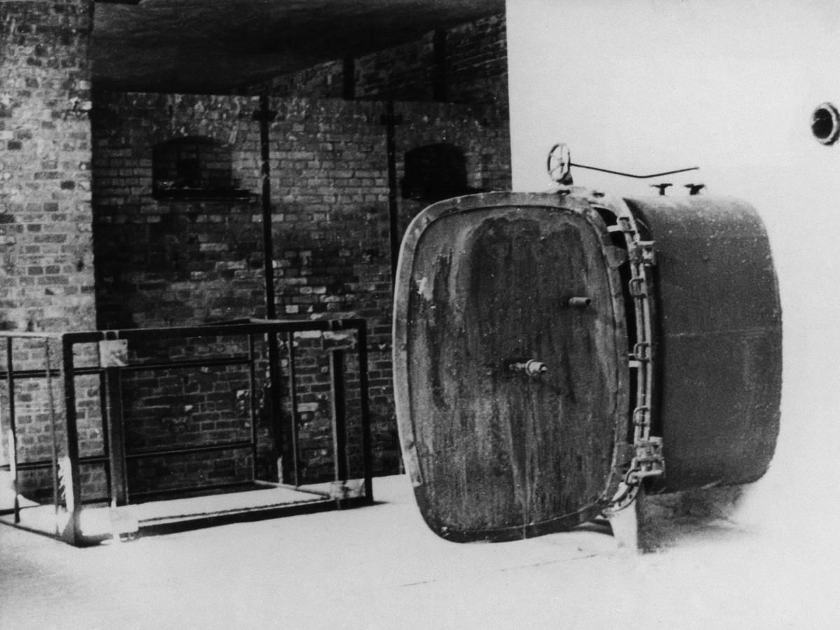 Концентрационный-лагерь-Аушвиц-каким-его-увидела-Красная-Армия-9