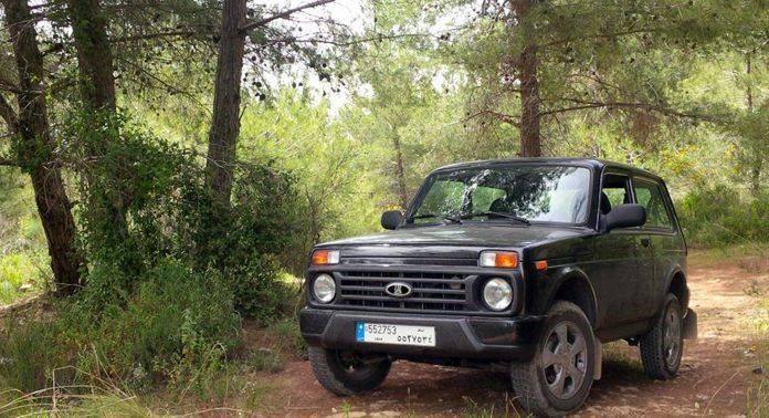 Lada Urban 4x4 - Stone Forest