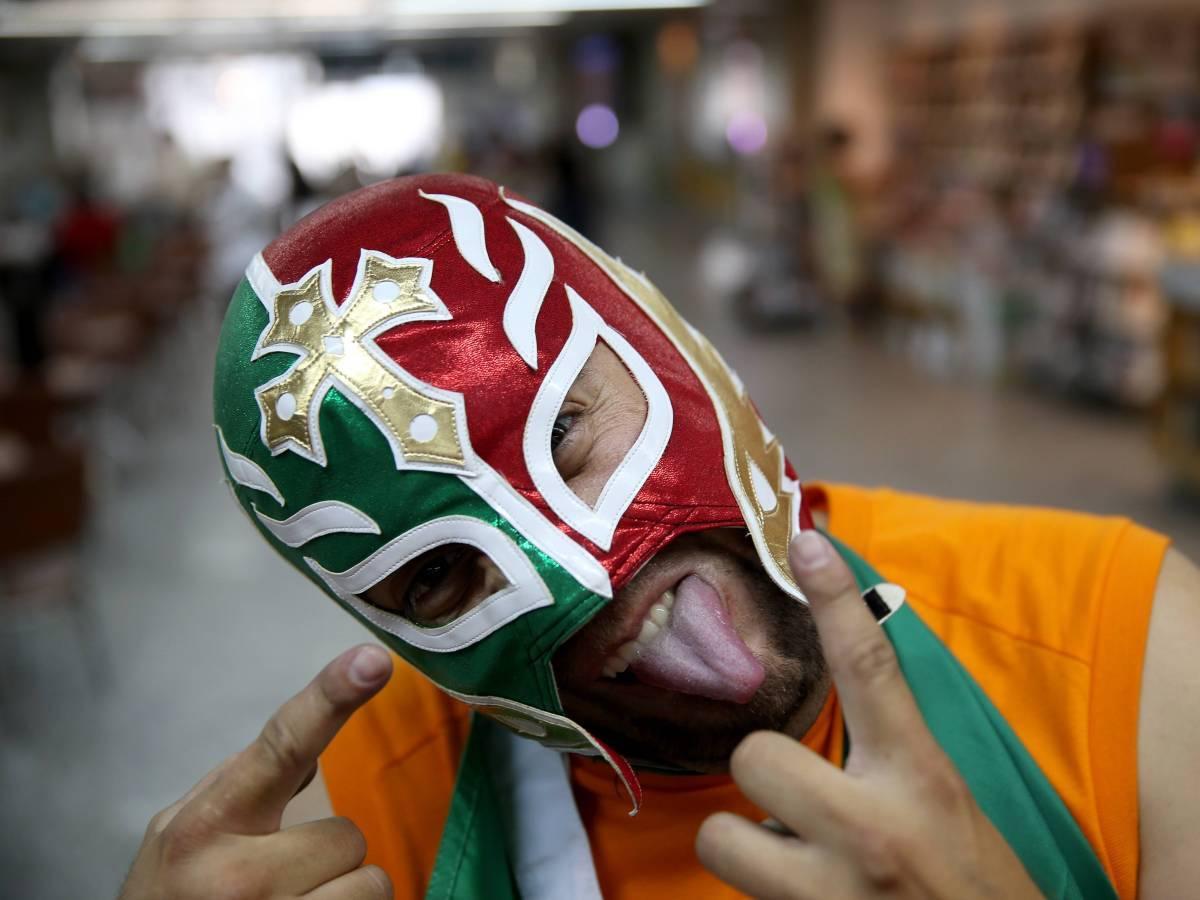 Мексиканский-рестлинг-27