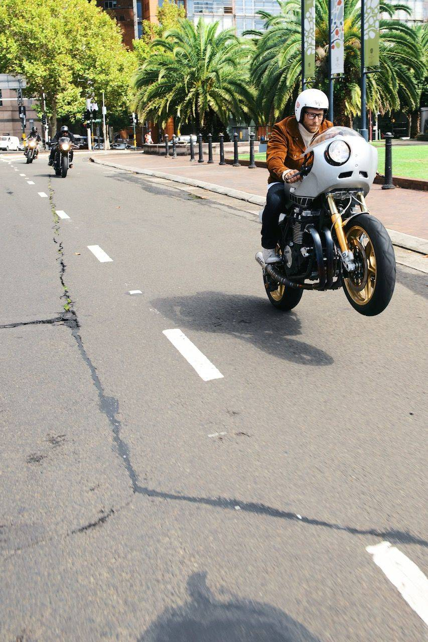 Новая-Yamaha-XJR1300-в-фотографиях-14