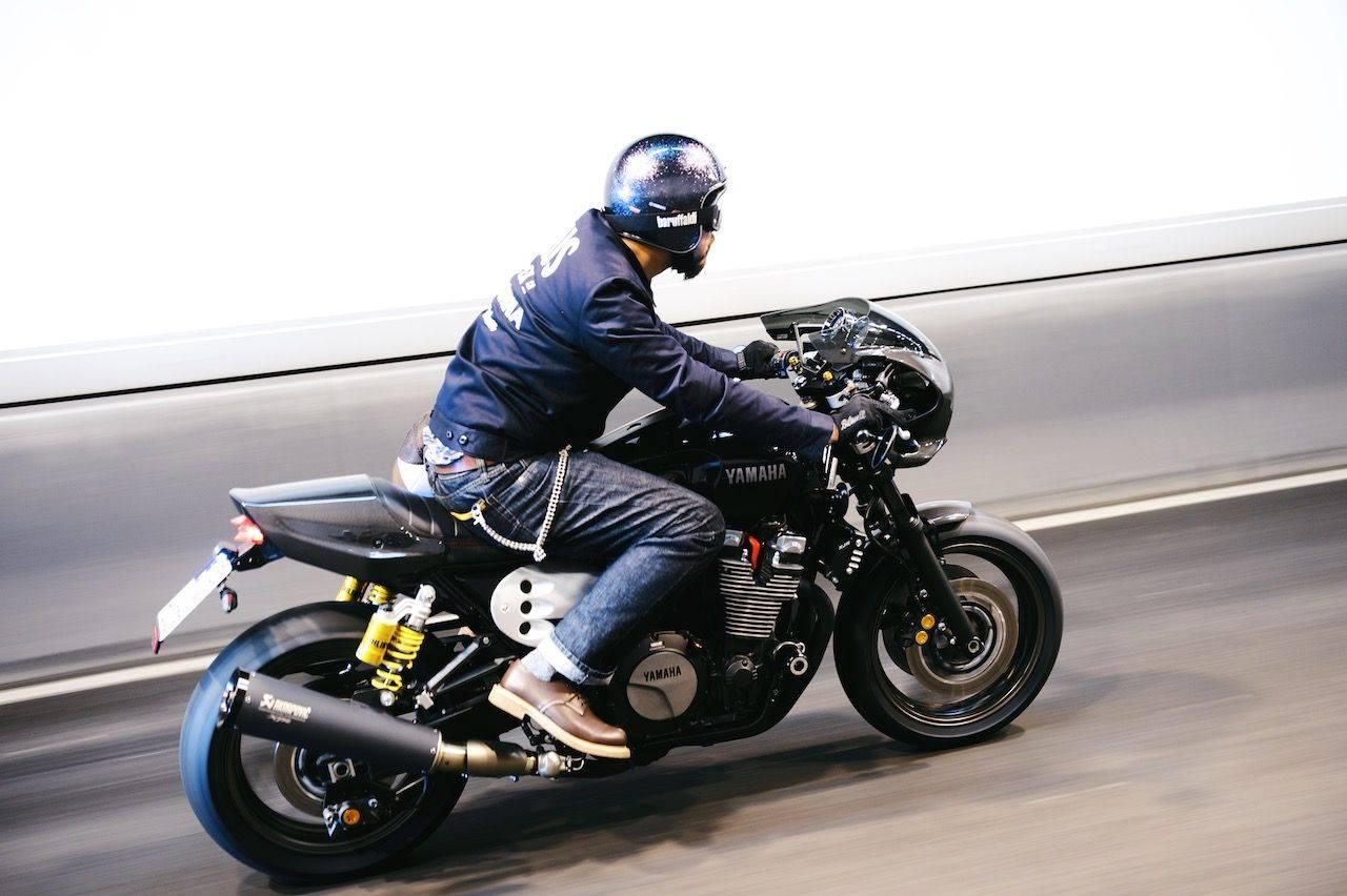 Новая-Yamaha-XJR1300-в-фотографиях-23