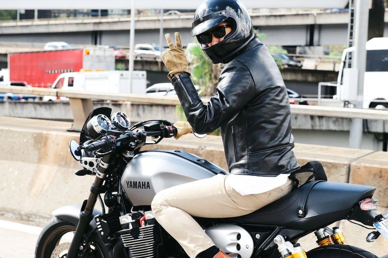Новая-Yamaha-XJR1300-в-фотографиях-8