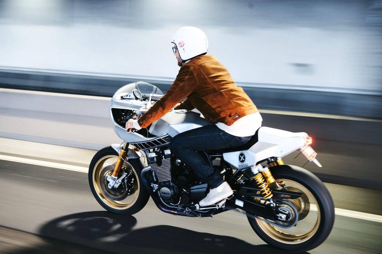 Новая-Yamaha-XJR1300-в-фотографиях-9