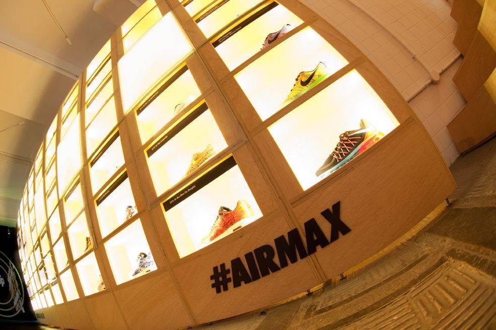 Самая-большая-стена-Air-Max-4