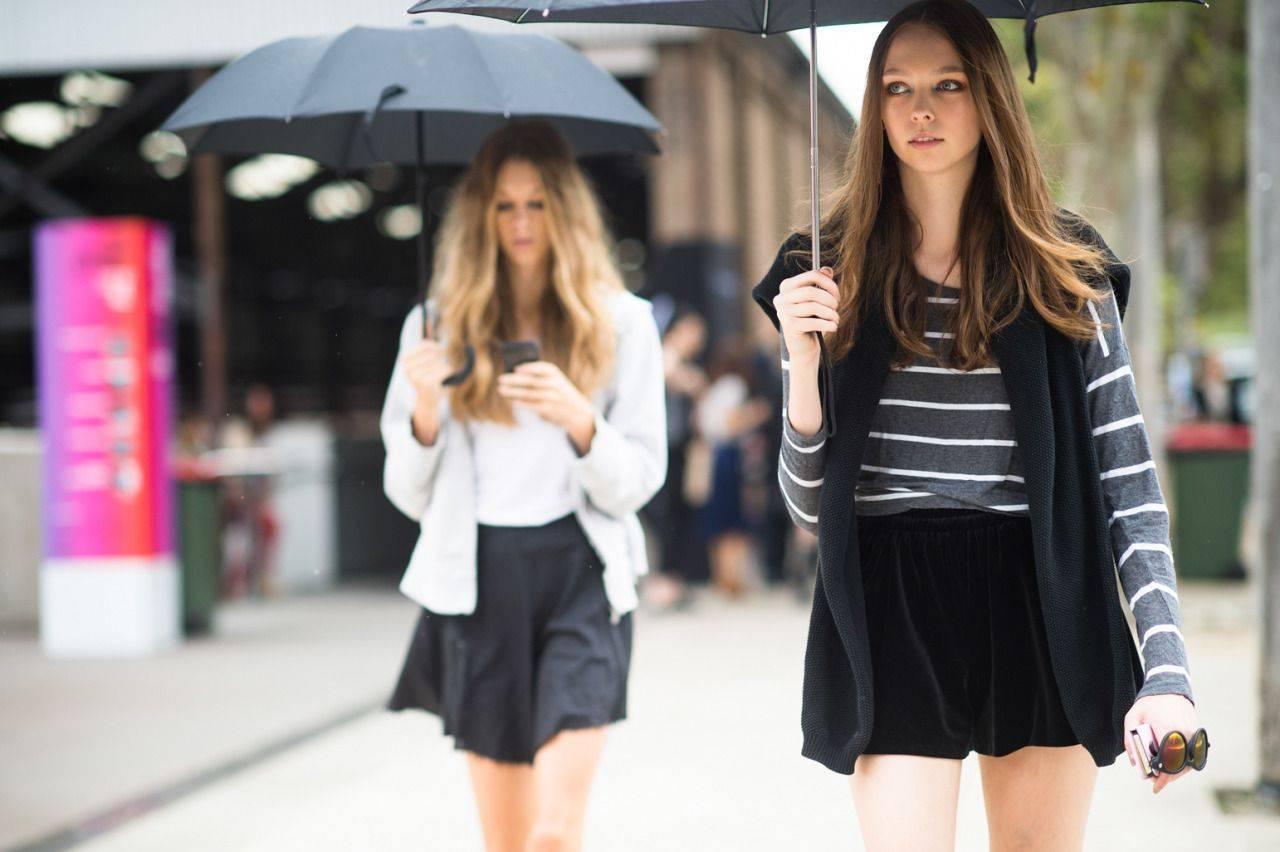 Девушки-с-зонтиками-11