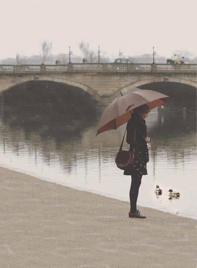 Девушки-с-зонтиками-4