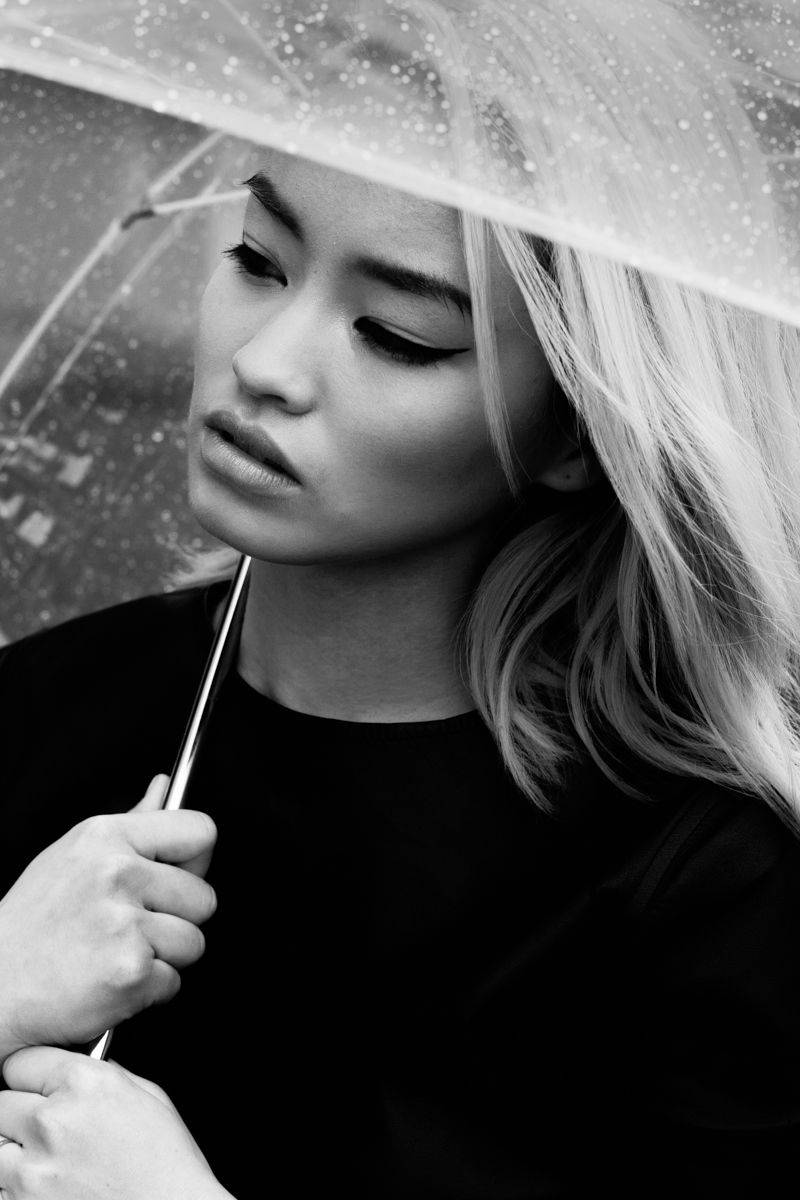 Девушки-с-зонтиками-6