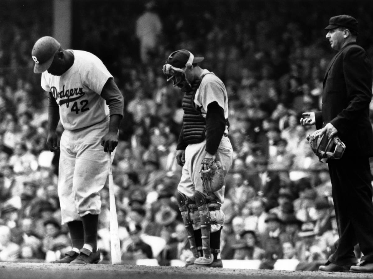 Как-Джеки-Робинсон-боролся-с-расизмом-в-бейсболе-7