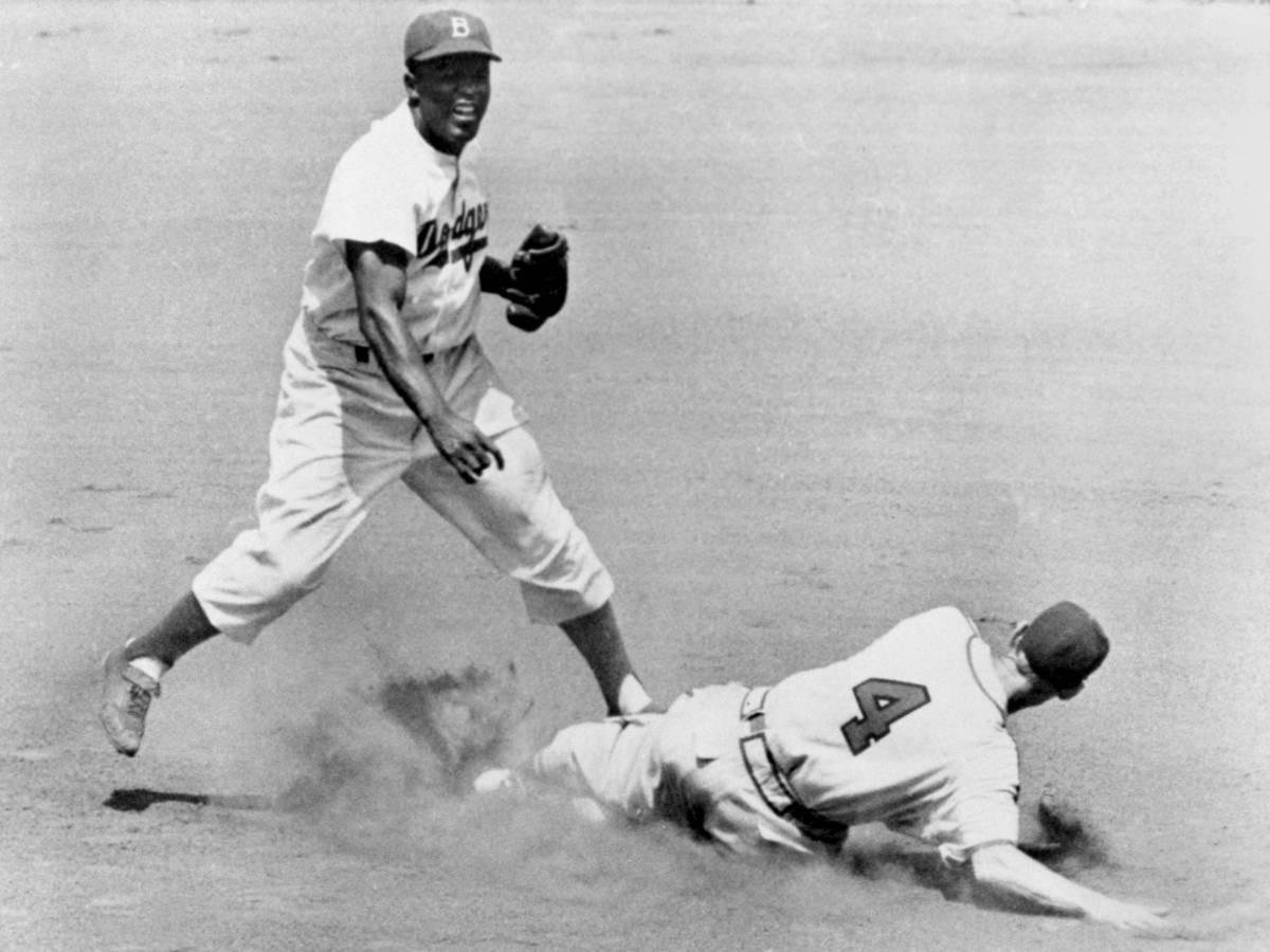 Как-Джеки-Робинсон-боролся-с-расизмом-в-бейсболе-8
