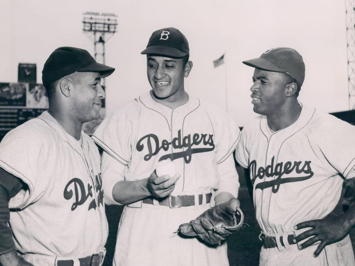 Как-Джеки-Робинсон-боролся-с-расизмом-в-бейсболе-9