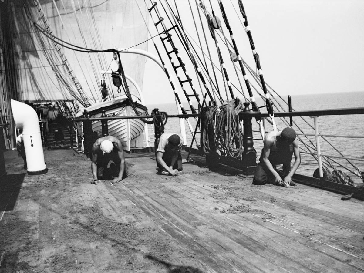 На-палубе-трансатлантического-корабля-17