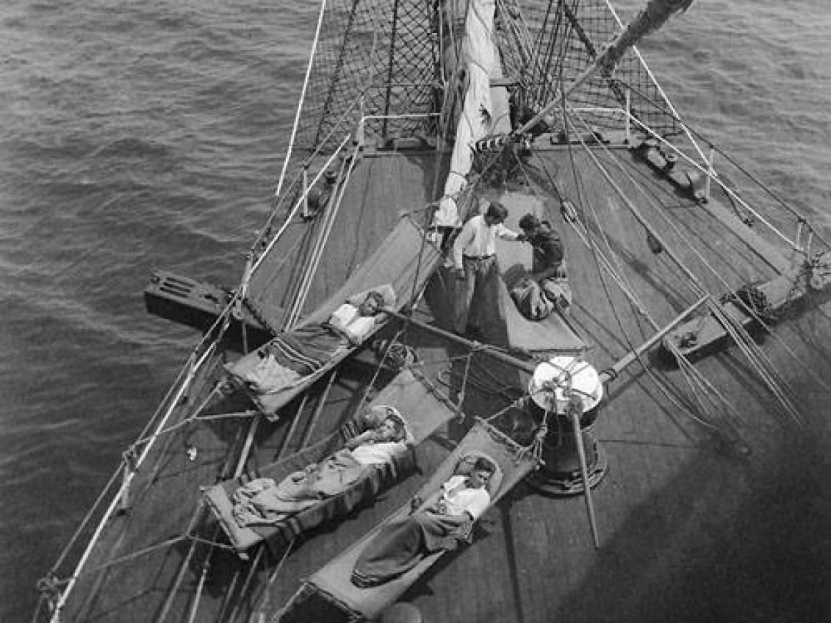 На-палубе-трансатлантического-корабля-29