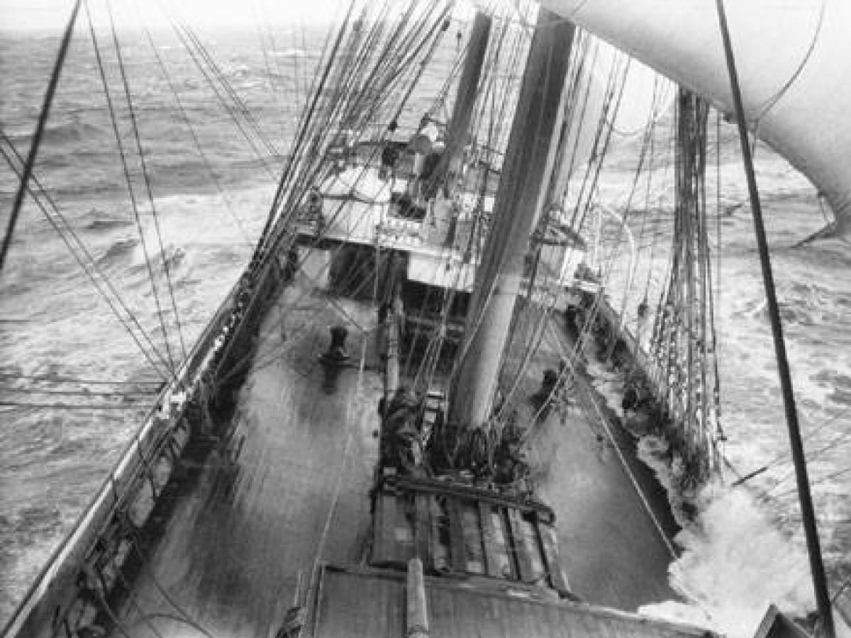 На-палубе-трансатлантического-корабля-9
