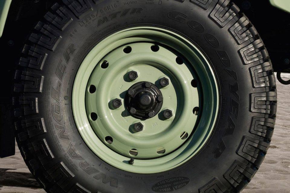 Ограниченная-серия-Land-Rover-Defender-Heritage-7