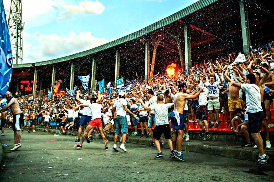 Фотографии-по-теме-Футбольные-ультрас-25