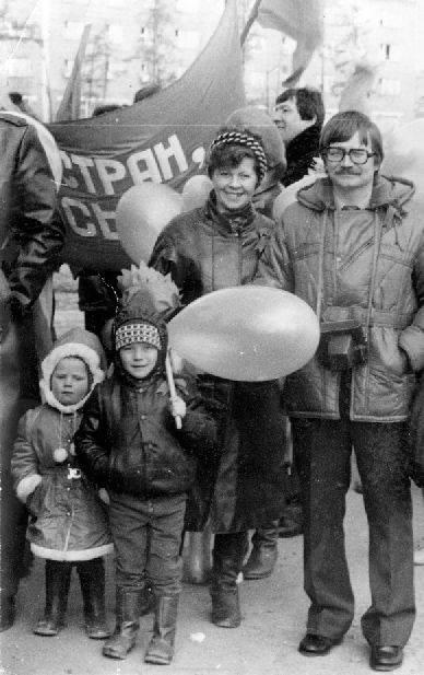 В-честь-1-мая-возвращение-в-страну-пролетариев-42