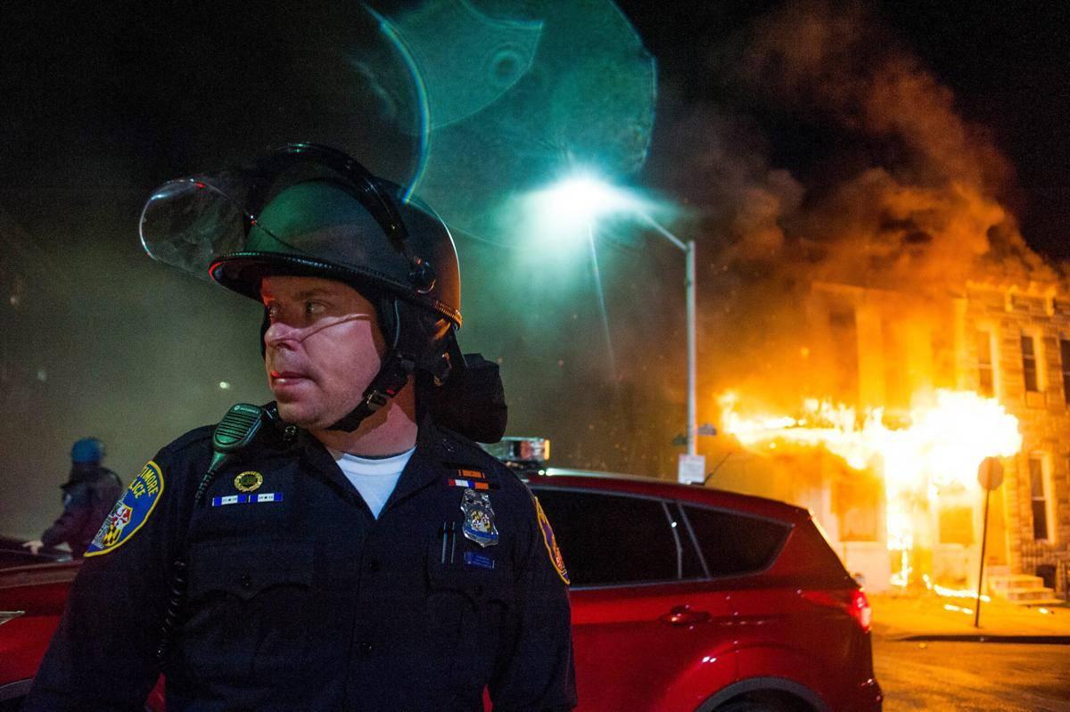 Горячие-и-горящие-фото-из-Балтимора-5