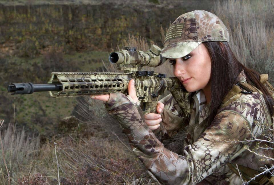 Девушки-и-оружие-11