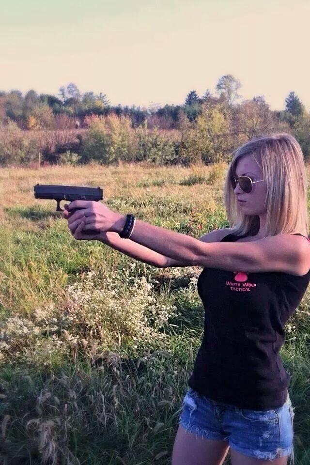 Девушки-и-оружие-12