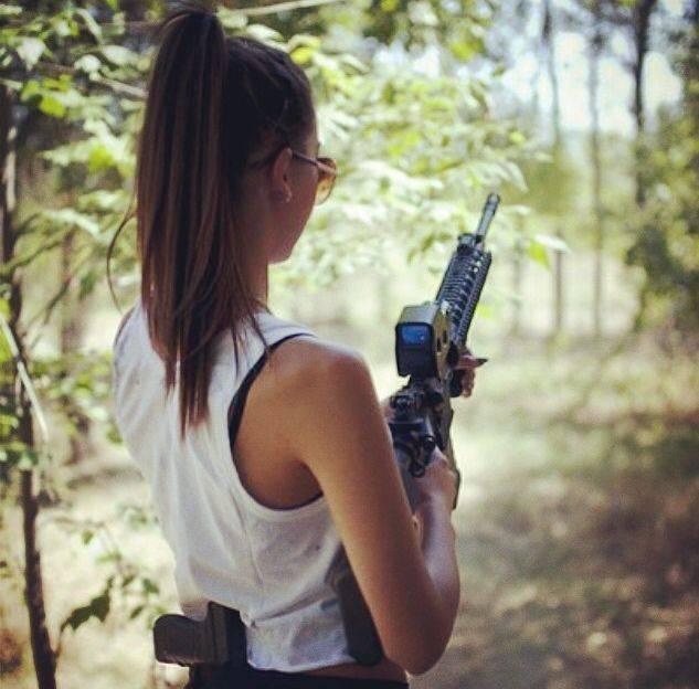 Девушки-и-оружие-22