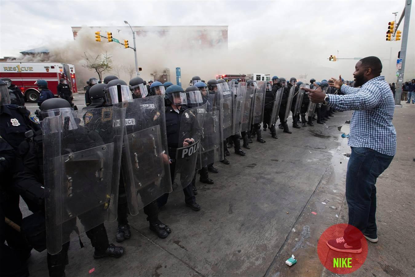 Сайт-брендов-кроссовок-c-протестных-движений-в-Балтиморе-2