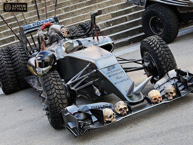 Mad-Max-Hybrid-от-Lotus-3