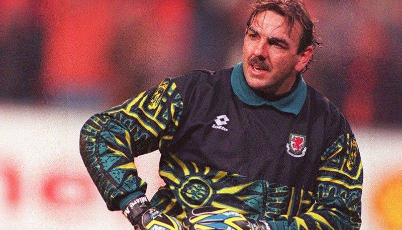 football-kits-90s-wales