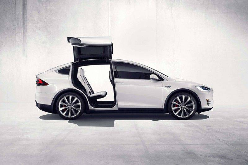 tesla-model-x-electric-suv-2
