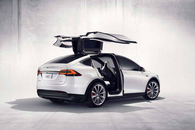 tesla-model-x-electric-suv-3