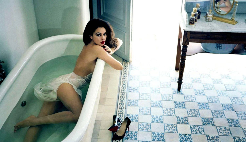 С беременной девушкой в ванне 16 фотография
