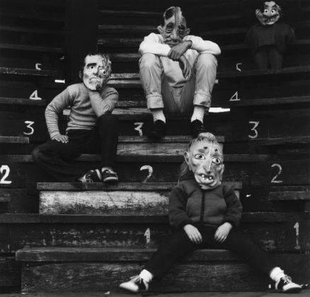 Фото страшной маски - Stone Forest