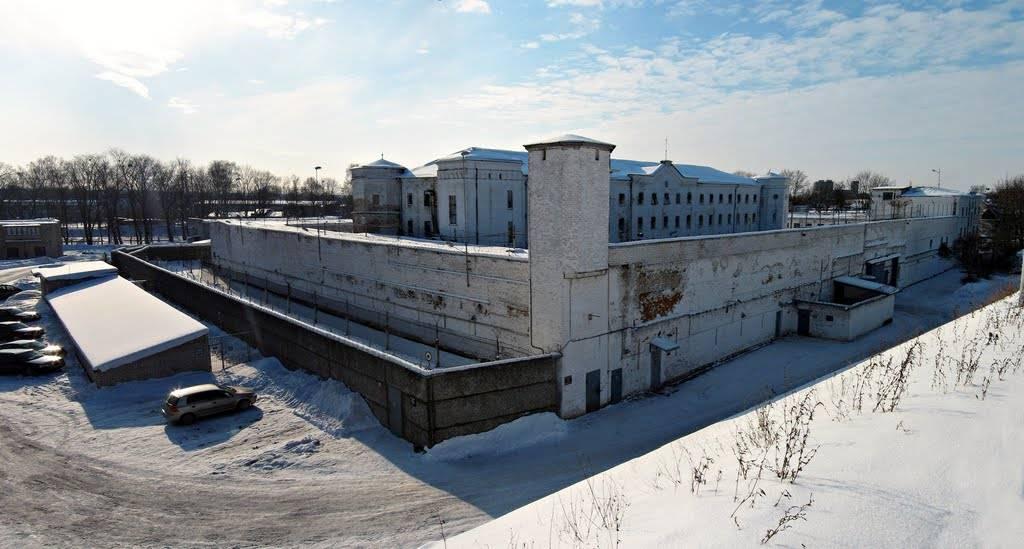 Тюрьма Белый лебедь - Stone Forest