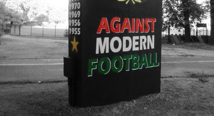 Against modern football - Stone Forest