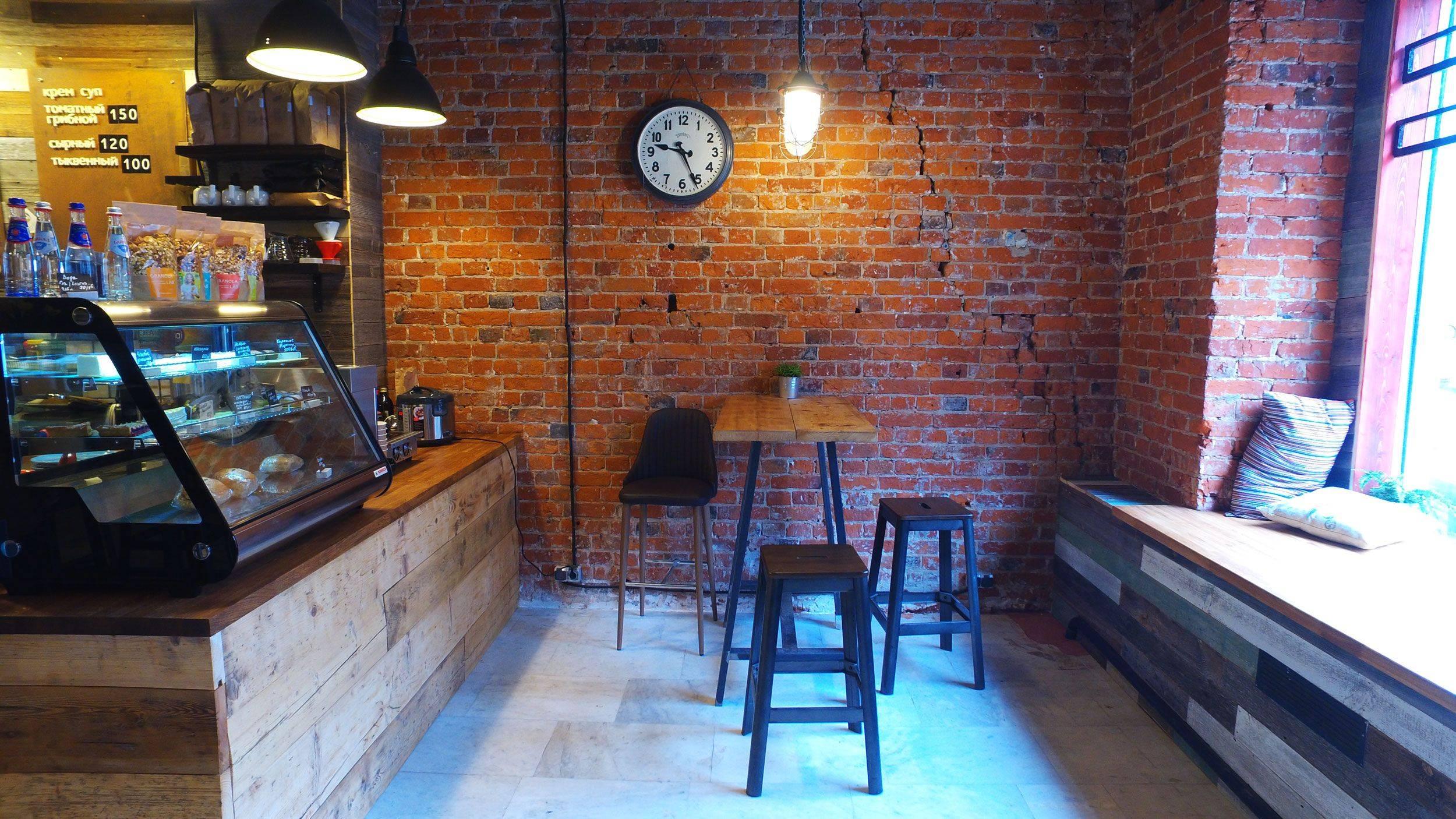 Интерьер кофейни - просторно, необычно и уютно