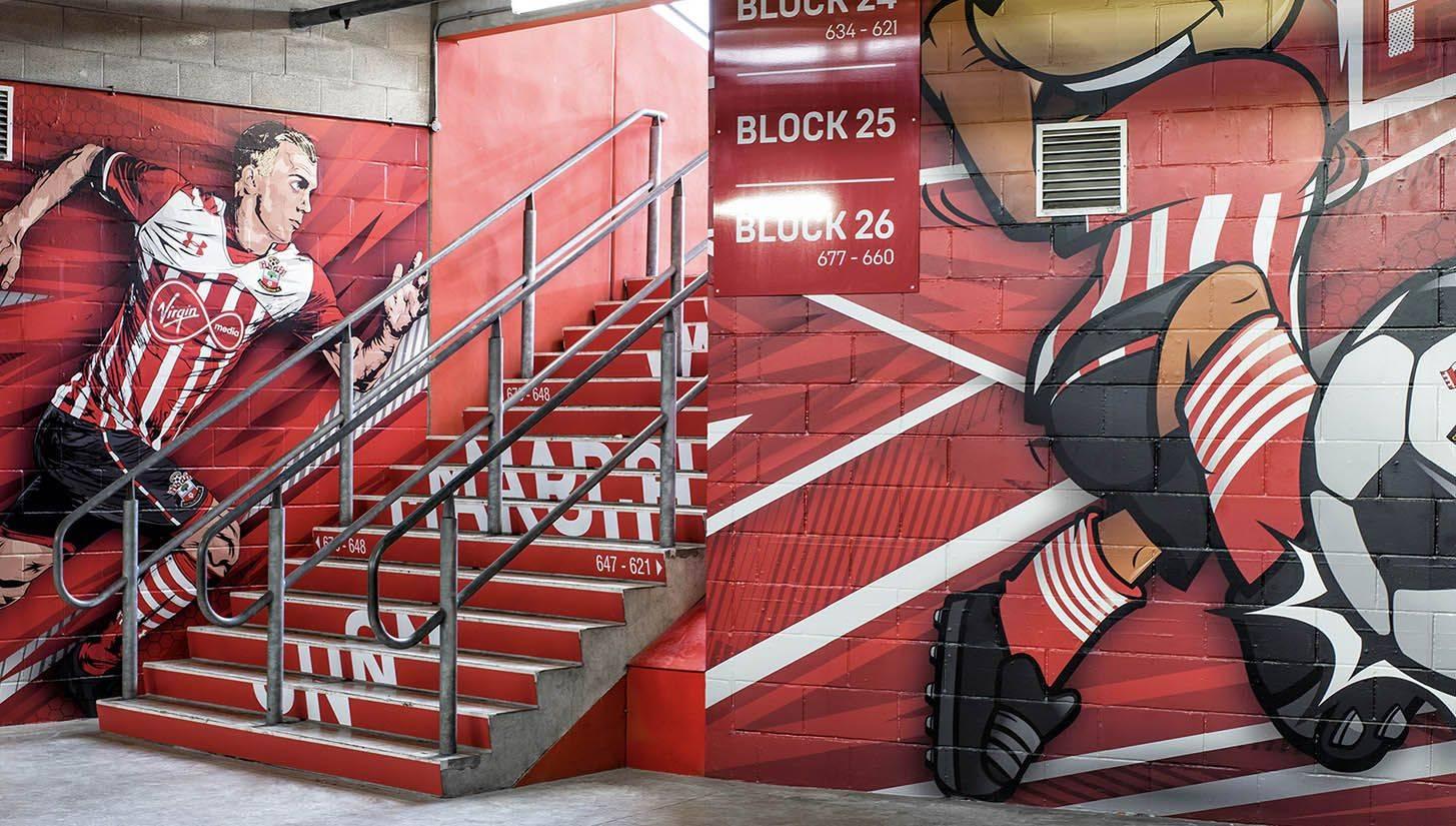 Граффити на St Mary's Stadium - Stone Forest