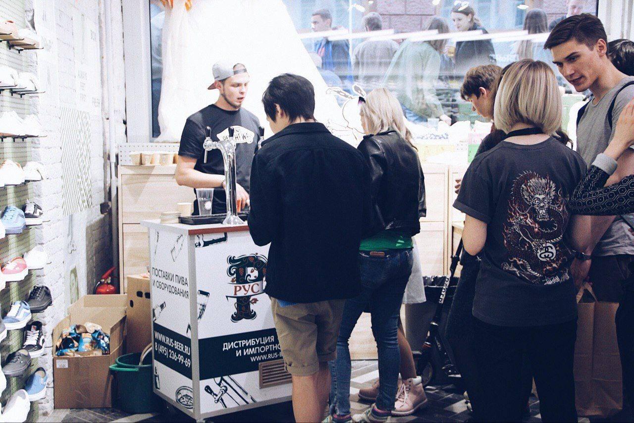 презентации Vans x Peanuts в DRoP! - Stone Forest