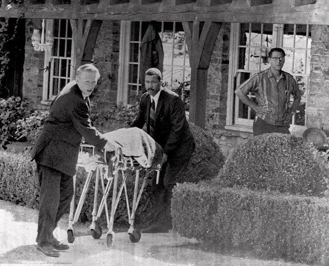 Убийство членов семьи Мэнсон - Stone Forest