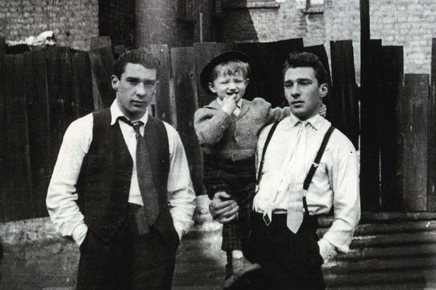 Ронни и Реджи Крэй с племянником - Stone Forest
