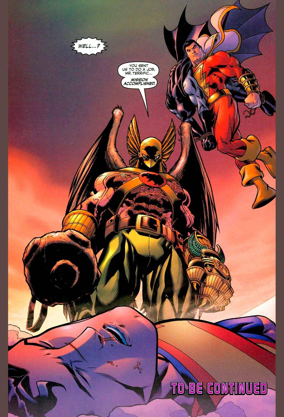 Человек-ястреб побеждает Супермена с помощью своей булавы Коготь Хоруса