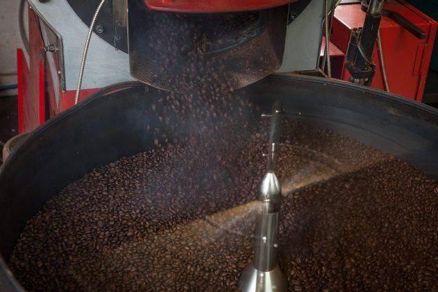 Измельчение кофе Texas Brand Coffee - Stone Forest