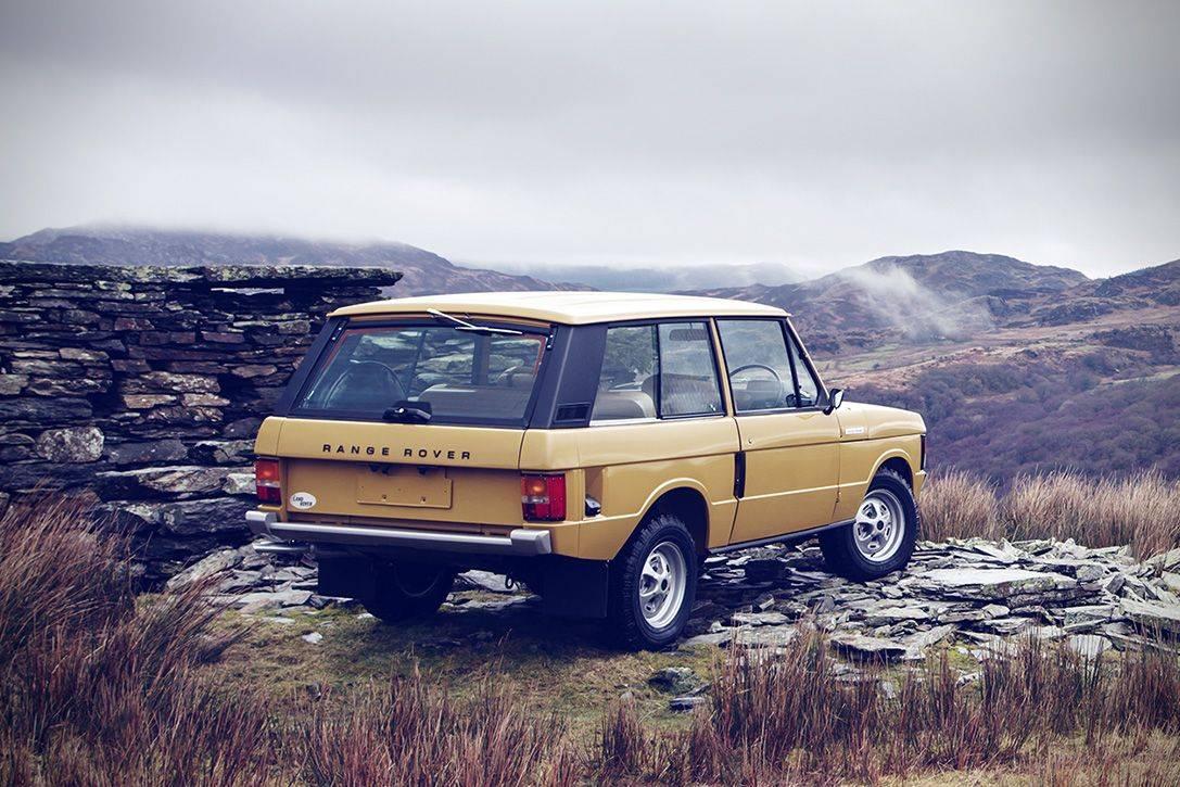 Ретро Range Rover Classic 1978 - Stone Forest