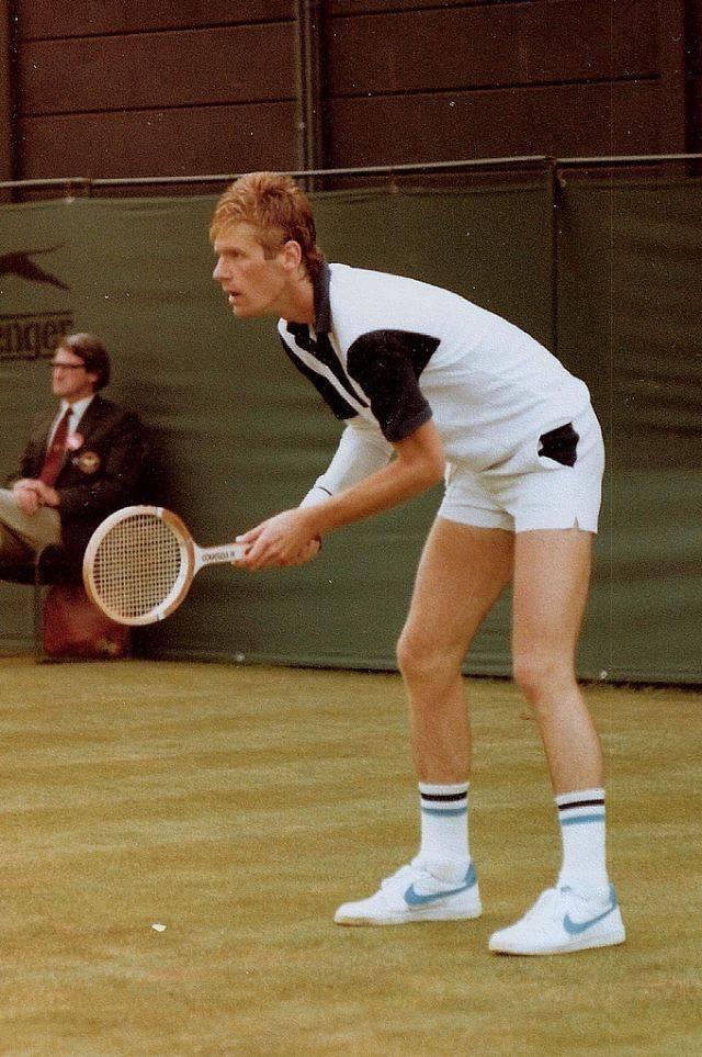 Теннисист Питер Флеминг - Stone Forest
